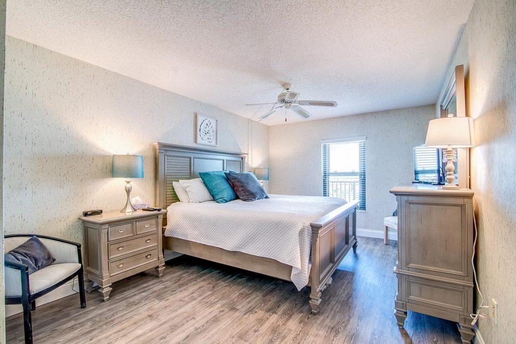 cape winds condo 501 master bedroom