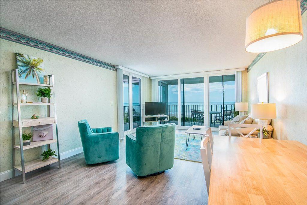 cape winds condo 501 living room