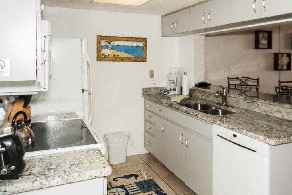 405 kitchen condo rental